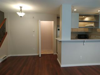 Photo 5: 7410 HAWTHORNE Terrace in Burnaby: Highgate Townhouse for sale (Burnaby South)  : MLS®# R2396786