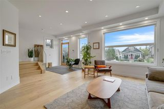 Photo 2: 9610 99A Street NW in Edmonton: Zone 15 House for sale : MLS®# E4180394