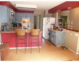 Photo 3: 6589 ACORN Road in Sechelt: Sechelt District House for sale (Sunshine Coast)  : MLS®# V781539
