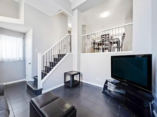 Photo 4: 3072 New Brighton Garden SE in Calgary: New Brighton Row/Townhouse for sale : MLS®# C4300460