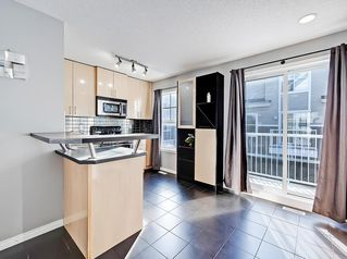 Photo 8: 3072 New Brighton Garden SE in Calgary: New Brighton Row/Townhouse for sale : MLS®# C4300460