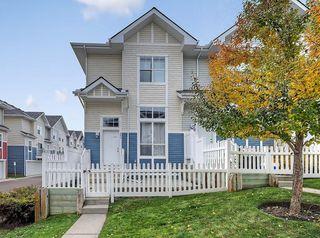Photo 1: 3072 New Brighton Garden SE in Calgary: New Brighton Row/Townhouse for sale : MLS®# C4300460