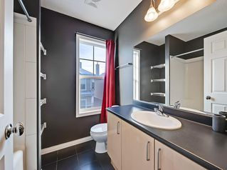 Photo 18: 3072 New Brighton Garden SE in Calgary: New Brighton Row/Townhouse for sale : MLS®# C4300460