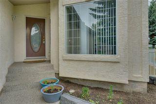 Photo 2: 452 CALIFORNIA Place NE in Calgary: Monterey Park Detached for sale : MLS®# C4304967
