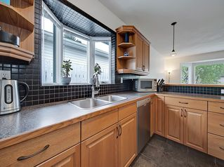Photo 8: 3 HARROW Crescent SW in Calgary: Haysboro Detached for sale : MLS®# A1033438