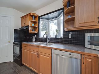 Photo 9: 3 HARROW Crescent SW in Calgary: Haysboro Detached for sale : MLS®# A1033438