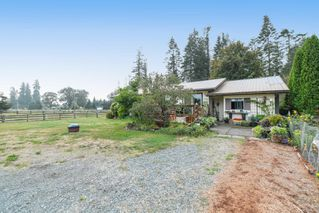 Photo 1: 5346 Headquarters Rd in : CV Courtenay North House for sale (Comox Valley)  : MLS®# 856958