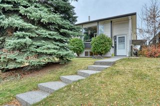 Photo 2: 15 Riverbirch Place SE in Calgary: Riverbend Detached for sale : MLS®# A1043143