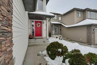 Photo 2: 8376 SHASKE Crescent in Edmonton: Zone 14 House for sale : MLS®# E4221136