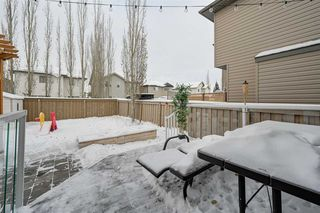 Photo 3: 8376 SHASKE Crescent in Edmonton: Zone 14 House for sale : MLS®# E4221136