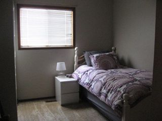 Photo 9: 6 Louisbourg Place in St. Albert: House for rent