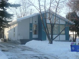 Main Photo: 126 Moore Avenue in WINNIPEG: St Vital Residential for sale (South East Winnipeg)  : MLS®# 1002174