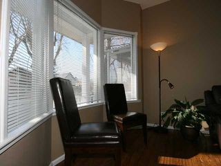 Photo 4: 830 3 Avenue NW in CALGARY: Sunnyside Residential Detached Single Family for sale (Calgary)  : MLS®# C3421559