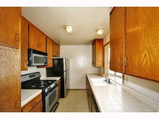 Photo 8: OCEAN BEACH Condo for sale : 2 bedrooms : 3130 GROTON WAY #4 in San Diego