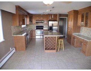 "Photo 2: 110 N BOUNDARY Road in Burnaby: Vancouver Heights House for sale in ""VANCOUVER HEIGHTS"" (Burnaby North)  : MLS®# V740599"