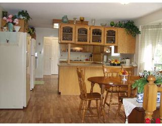 """Photo 5: 5943 252ND Street in Langley: Salmon River House for sale in """"STRAWBERRY HILLS"""" : MLS®# F2833173"""
