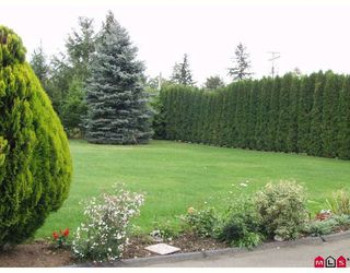 """Photo 2: 5943 252ND Street in Langley: Salmon River House for sale in """"STRAWBERRY HILLS"""" : MLS®# F2833173"""