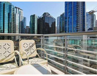 "Photo 6: 805 590 NICOLA Street in Vancouver: Coal Harbour Condo for sale in ""CASCINA"" (Vancouver West)  : MLS®# V758875"