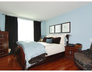 "Photo 7: 805 590 NICOLA Street in Vancouver: Coal Harbour Condo for sale in ""CASCINA"" (Vancouver West)  : MLS®# V758875"