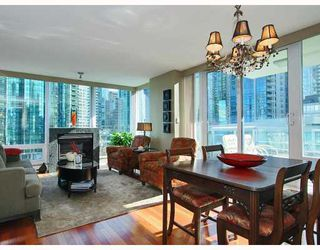 "Photo 2: 805 590 NICOLA Street in Vancouver: Coal Harbour Condo for sale in ""CASCINA"" (Vancouver West)  : MLS®# V758875"