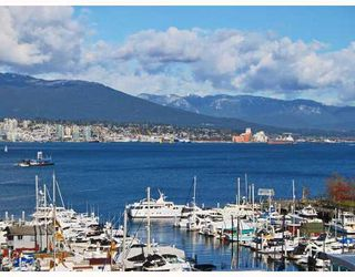 "Photo 3: 805 590 NICOLA Street in Vancouver: Coal Harbour Condo for sale in ""CASCINA"" (Vancouver West)  : MLS®# V758875"