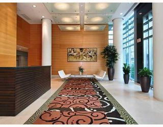 "Photo 10: 805 590 NICOLA Street in Vancouver: Coal Harbour Condo for sale in ""CASCINA"" (Vancouver West)  : MLS®# V758875"