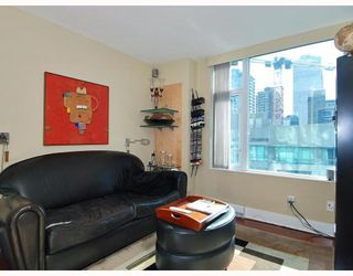 "Photo 8: 805 590 NICOLA Street in Vancouver: Coal Harbour Condo for sale in ""CASCINA"" (Vancouver West)  : MLS®# V758875"