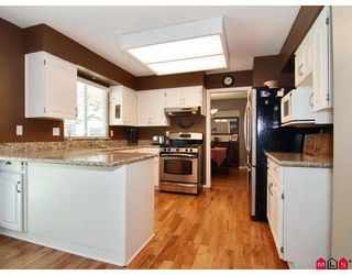 Photo 2: 9326 211TH Street in Langley: Walnut Grove House for sale : MLS®# F2912633