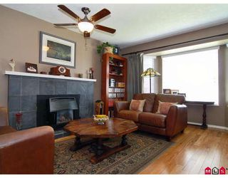 Photo 3: 9326 211TH Street in Langley: Walnut Grove House for sale : MLS®# F2912633