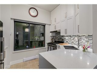 Photo 4: 101 2228 MARSTRAND Ave in Vancouver West: Home for sale : MLS®# V1085238