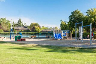 Photo 35: 2418 Central Ave in VICTORIA: OB South Oak Bay House for sale (Oak Bay)  : MLS®# 834096