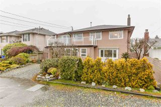 "Photo 3: 363 CENTENNIAL Parkway in Delta: Boundary Beach House for sale in ""BOUNDARY BAY"" (Tsawwassen)  : MLS®# R2441894"