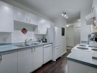 Photo 8: 102 1201 Hillside Ave in : Vi Hillside Condo Apartment for sale (Victoria)  : MLS®# 850315