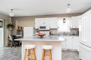 Photo 5: 99 Maplegrove Road in Winnipeg: Riverbend Residential for sale (4E)  : MLS®# 202018235
