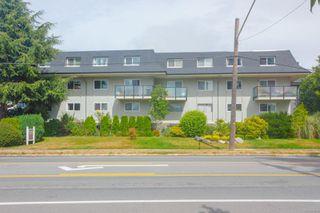 Photo 3: 1 840 Craigflower Rd in : Es Kinsmen Park Row/Townhouse for sale (Esquimalt)  : MLS®# 853668
