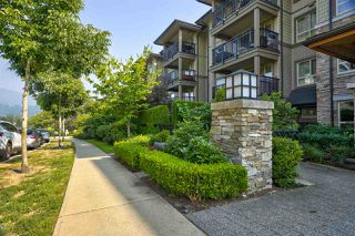 Photo 3: 205 3156 DAYANEE SPRINGS Boulevard in Coquitlam: Westwood Plateau Condo for sale : MLS®# R2497501