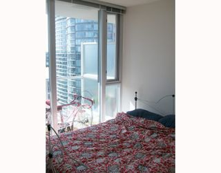 Photo 5: 2309 550 TAYLOR Street in Vancouver: Downtown VW Condo for sale (Vancouver West)  : MLS®# V788579