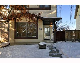 Photo 1: 36 CEDARDALE Mews SW in CALGARY: Cedarbrae Residential Detached Single Family for sale (Calgary)  : MLS®# C3404111