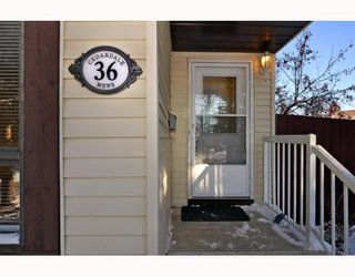 Photo 2: 36 CEDARDALE Mews SW in CALGARY: Cedarbrae Residential Detached Single Family for sale (Calgary)  : MLS®# C3404111