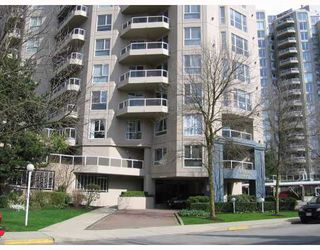 "Photo 1: 807 1185 QUAYSIDE Drive in New_Westminster: Quay Condo for sale in ""The Riveria"" (New Westminster)  : MLS®# V721112"