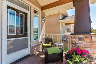 Photo 3: 22 DISCOVERY WOODS Villa SW in Calgary: Discovery Ridge Semi Detached for sale : MLS®# C4259210
