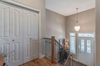 Photo 5: 22 DISCOVERY WOODS Villa SW in Calgary: Discovery Ridge Semi Detached for sale : MLS®# C4259210