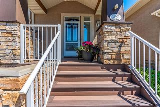 Photo 2: 22 DISCOVERY WOODS Villa SW in Calgary: Discovery Ridge Semi Detached for sale : MLS®# C4259210