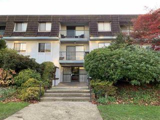 Photo 1: 303 275 W 2ND Street in North Vancouver: Lower Lonsdale Condo for sale : MLS®# R2418531