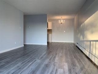 Photo 3: 303 275 W 2ND Street in North Vancouver: Lower Lonsdale Condo for sale : MLS®# R2418531