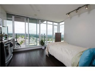 Photo 3: 808 958 RIDGEWAY AVENUE in Coquitlam: Home for sale : MLS®# V1138346
