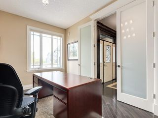 Photo 4: 56 ROCKYVALE Green NW in Calgary: Rocky Ridge Detached for sale : MLS®# C4300491