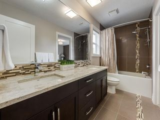 Photo 38: 56 ROCKYVALE Green NW in Calgary: Rocky Ridge Detached for sale : MLS®# C4300491