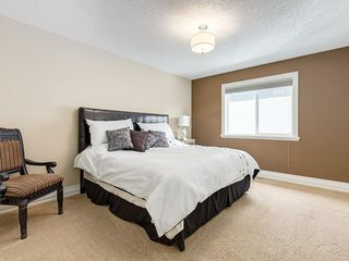 Photo 39: 56 ROCKYVALE Green NW in Calgary: Rocky Ridge Detached for sale : MLS®# C4300491