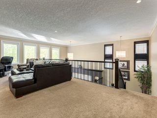 Photo 25: 56 ROCKYVALE Green NW in Calgary: Rocky Ridge Detached for sale : MLS®# C4300491
